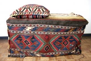 Mafrash, antique, kilim, both matching pillow ans Mafrash.  110 x 55 Cms. High 50 Cm.  You need to make the wooden box.   Nice Jajim back on the pillow.