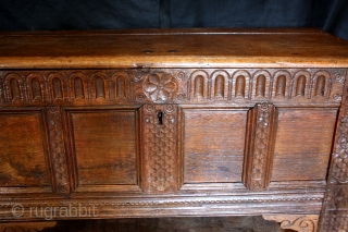 Dutch William and Mary period chest.  1680 - 1720  Oak. nice blond color, patine.  The arches also occur on English chests in this period.  wide 124 Cm's - 4 feet 2 inch high  ...