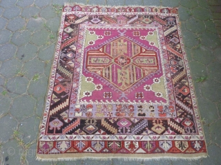 Anatolian Rug, Original condition, No repair, Size: 150 x 120 cm (4.9 x 3.9 feet).