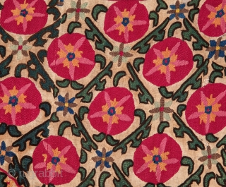 Tajik Suzani 97 x 135 cm / 3'2'' x 4'5''