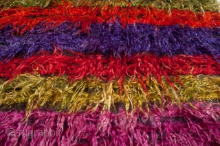 Vintage Central Anatolian Angora Rug . The weft threads are of goat hair and the warp ones are cotton.   Size: 4 ft. 1 in.x6 ft. 1 in. / 124x185 cm  ...