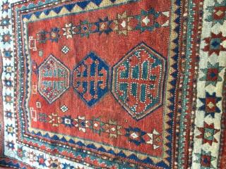bordjalou kazak 1870 white Main border with star design natural dyes good condition size 115/ 106 cm