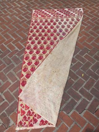 late 1800s Phulkari Tirma Bagh Shawl 105 x 50 INCHES (2.75 m x 1.25 m)
