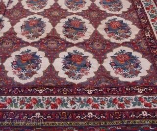 Antique Persian Bakkhtiari , circa 1920 or older, 16' x 16'ft. / 480 x 480 cm.