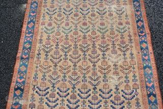 A nice Malayer with nice pattern, size is 208 x 127 cm