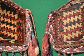 Yomut Dizlyks pair (camel knee), excellent condition. 25 x 18 cm