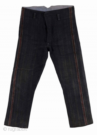 Firefighter set, Japan, early Showa (circa 1930), cm 88x130 (jacket) – lenght cm 97 (pants).  In old Japan, where wood architecture was predominant, fires occurred frequently. Firefighting was an extremely hazardous  ...