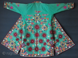 """Turkmen Arabachi Chapan - Silk embroidery on Broadcloth, circa - 1920 -1930s. size: arm to arm 56"""" - 143 cm  - Height 48"""" - 122 cm"""