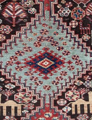 Qhasgai carpet very fine quality and very cute  size 146x102cm