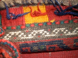 Nice and old baluch bag. Size: 28 x 31 cm. Natural colors. Full pile.
