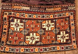 Luri Bachtiar saddle bag. Size: 94 x 125 cm. Very interesting item.
