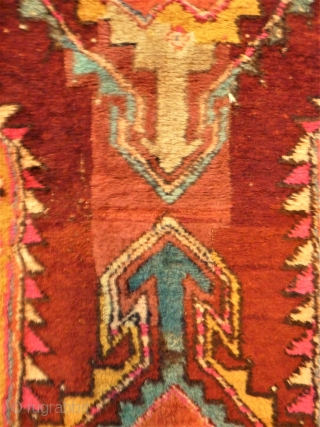 Anatol rug. Size: 121 x 241 cm. Used condition. Repairs. Dated.