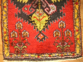 Old anatolian Yastik. Size: 56 x 94 cm. Very good condition.