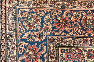 Rare and extreme fine knotted Sarough Prayer rug. Size: 145 x 225 cm. Not cleaned. Used  Shirazi.