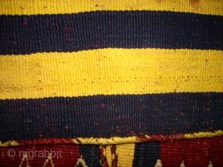 Very interesting silk Heybe. Size: 113 x 41 cm.