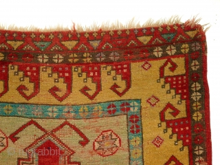 Antique anatolian Konya Obruk prayer rug. Size: 122x98 cm. Special border. Very good colors. Thin pile and small damages.