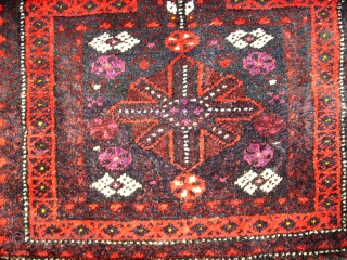 Beautiful Baluch Saltbag! Size: 61 x 48 cm. Good colors and ful pile. Perfect wool. Very good condition.