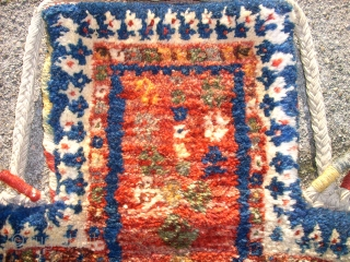 Wonderful persian Saltbag. Size: 43 x 32 cm. Best wool. Full pile. Complete.