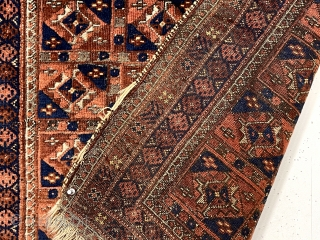 Antique Baluch rug. Great small size and uncommon aina gul field. Overall good pile with heavily oxidized blacks. All natural colors including lots of medium blues and small yellow highlights. Reasonably clean.  ...