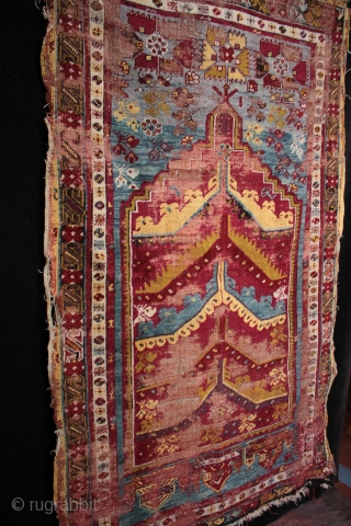 19th century prayer rug from from Mucur in Kırşehir province, Central Anatolia.