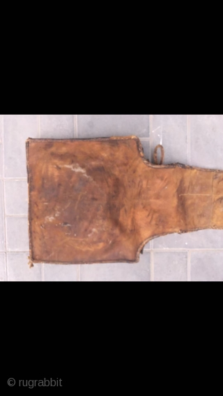 Cowhide bag, it was produced in Kazakhstan. Used for long trips on horseback. It can put in for jugs, naan, etc. In the late Qing Dynasty, the back and side pockets were  ...
