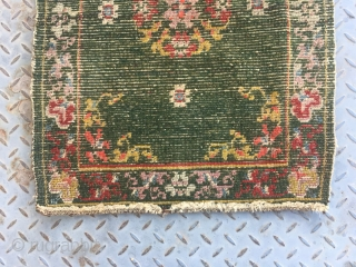 Tibetan rug, very rare green color, single group flower pattern with nice full of colorful flower selvage. Wool warp and weft. Good age and condition. Tightly row knots.Size 75*53cm