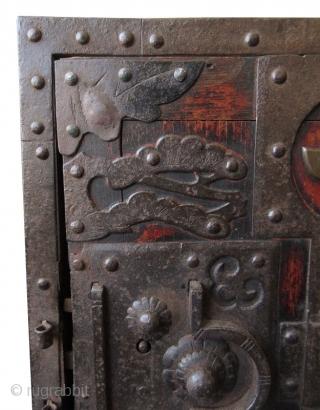 Antique Japanese Keyaki Fune Bako  Antique Japanese solid Keyaki (zelkova) hardwood fune bako or ship safe box. The front of the box has heavy iron plating with the number one (ichi) within a  ...